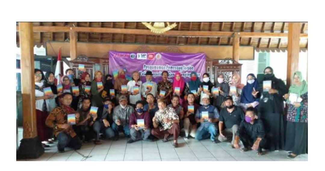 Liputan acara pengumuman pemenang lomba dan peluncuran buku oleh harian radar banyumas 2