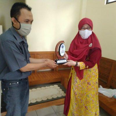 Acara Perpisahan dengan Mahasiswa Magang dari Fakultas Sastra Universitas Muhammadiyah Purwokerto